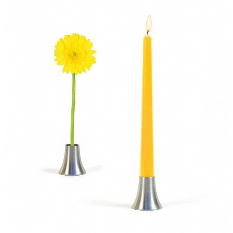 Kandelaar of bloemenstandaard?