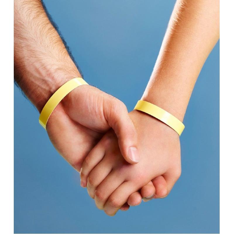 deze UV armband vertelt je wanneer je uit de zon moet