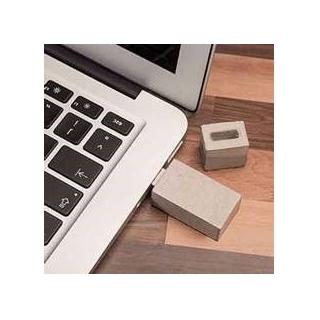 USB-stick in beton